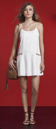 look com vestido branco e rasteira lez a lez primavera 2017