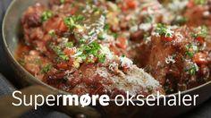 Gi oksehalene timevis i tett gryte i ovnen sammen med rødvin og kraft.