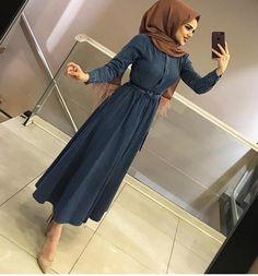 Hijab Gown, Hijab Style Dress, Hijab Chic, Modern Hijab Fashion, Muslim Women Fashion, Modele Hijab, Hijab Fashionista, Hijab Stile, Kurti Designs Party Wear