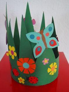 Grandpa Brom's birthday The nicest kindergarten of - Top Paper Crafts Preschool Crafts, Easter Crafts, Diy For Kids, Crafts For Kids, Origami, Diy And Crafts, Arts And Crafts, Spring Hats, Spring Theme