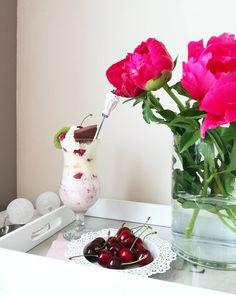 Today for good morning ice cream .. Will be hot and summer today really..Have a wonderfull Sunday my Friends..���� Dzisiaj na dzien dobry lody..zamiast kawy..�� To bedzie iście letni dzień..���� Życzę Wsxystkim pieknej niedzieli ���� #goodmorning #sunday#goodmorningworld #world#ig#ig_europe #icecream #fruits#coffee#coffeetime#flowers#flowerslovers#nature#naturelovers #love#love_of_nature #love_of_life#like4like#wanderlust#fairytale#room#roominspirations…