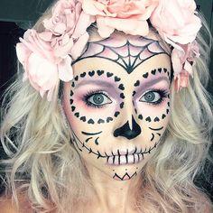 "80 Me gusta, 3 comentarios - PINKY BERRY STYLE (@pinky_berry_style) en Instagram: ""#skull #halloween #diaduertos #mexico #makeup #halloweenmakeup #roses #art #moda #tumblrgirl…"""