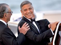 George Clooney Wedding Countdown: Celebrities Arrive by Boat, Actor Gives Tequila to Paparazzi
