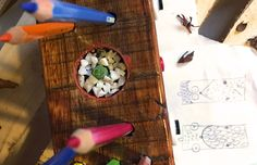 MICHE Objetos reciclados que generan vida. http://charliechoices.com/miche/
