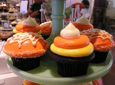 Google Image Result for http://www.thecupcakeblog.com/wp-content/uploads/2010/10/Candy-Corn-and-Spider-Inspired-Halloween-Cupcakes.png