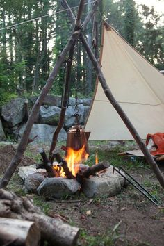 Here are some tips and tricks to make your next camping trip easier and more enjoyable. Camping Travel Tips and Hacks #familytravel #familyvacation #naturelovers #adventuretravel #adventuretime #places #travelmore #travelhacks #travellife #hiking #camperlife #camperhacks #camping #destinationsummer #destinationguide #destination #destinationfabulous #naturepics #mountains