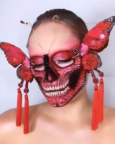 Halloween 2019 is approaching. Have you planned your Halloween makeup? If not, let's take a look at our 50 + most scared and cool Halloween makeup, hoping to give you the greatest inspiration. Scary Makeup, Clown Makeup, Fx Makeup, Costume Makeup, Horror Makeup, Liquid Makeup, Zombie Makeup, Amazing Halloween Makeup, Halloween Face Makeup