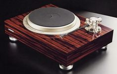 Pioneer PL-70lii - A rare gem from around 1981.  No doubt their peak in turntables.