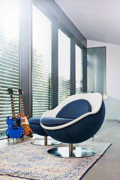 Dank Individualisierbarkeit passt sich der Classic in jede Umgebung ein. Loungesessel neu definiert - Thanks to its customisabilty the Classic fits into any kind of environment. A redefinition of lounge chairs