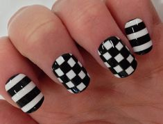 How can we leave out our nails when it comes to checkered fun looks?