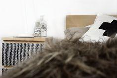 #IKEA #Malmkommode mit einer #Möbelfolie in #Strickoptik aufpeppen mit  #creatistoblogger Tanja von mxliving.de Ikea, Diy, Crochet Apple, Old Drawers, Malm Dresser, Set Of Drawers, Dekoration, Ikea Co, Bricolage