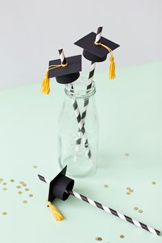Graduation Cap Straws - a Silhouette project | like-the-cheese.com