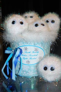 INDOOR SNOWBALL FIGHT -   Indoor Snowball Fight in a Bucket - I love these little snowball pets!
