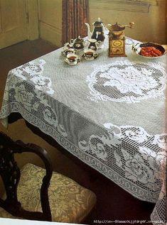 Великолепная скатерть с розами из журнала Ondori_crochet lace № 102 Модель связана крючком № 1,5, расход пряжи около 500 г белого цвета 100% COTON (250 м/50 г).