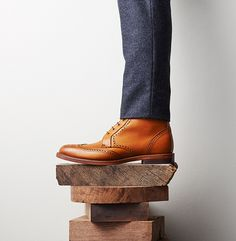 Men's wear # fashion for men # mode homme # men's fashion Allen Edmonds Dalton, Men Style Tips, Male Style, Style Men, Men's Style, Business Shoes, Winter Fashion Casual, Boating Outfit, Best Mens Fashion