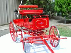 This superb model of a Yellowstone Coach was built by Dale Ford of Redding. Horse Wagon, Horse Drawn Wagon, Old Wagons, Bicycle Bell, Covered Wagon, Horse Carriage, Model Gallery, Practical Gifts, Miniture Things