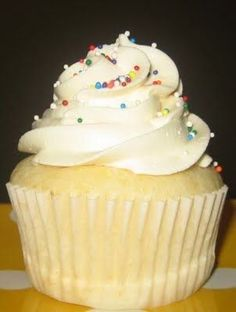 The Bestest Cupcakes I've Ever Made (recipe) - Combine a boxed mix with a few other ingredients and MAGIC!!.. :)