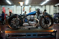 Triumph bobber | motorcycles