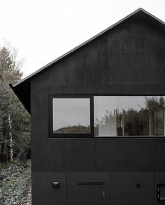 House Morran by Johannes Norlander Arkitektur - I Like Architecture Contemporary Architecture, Architecture Details, Interior Architecture, Exterior Design, Interior And Exterior, Modern Prefab Homes, Black House, Facade, Beautiful Homes