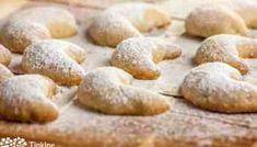Vanilkové rožky (špaldové) Healthy Cookie Dough, Healthy Cookies, Oats Recipes, Healthy Recipes, Peanut Butter Cookies, Savoury Dishes, Sweet Tooth, Bread, Desserts