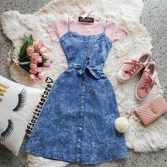 Look da manhã todo romântico 🤗🤗 vestido jeans alcinha + blusa tricot detalhes pérolas 🎀💖💕
