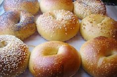 bagel recipe - Hey Food Lovers! Meet again with Chef Joe. On this occasion Chef will share or make a recipe for you food lovers of American Food Recipes that is Bagel.