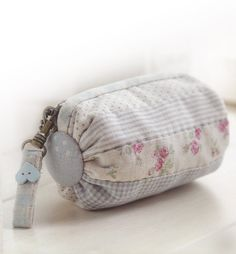 How to make roll purse cosmetic Bag Handbag Wallet hand embroidery sewing applique patchwork quilt PDF pattern E Patterns ebook Sewing Appliques, Patchwork Bags, Purse Patterns, Fabric Bags, Handmade Bags, Small Bags, Cosmetic Bag, Purses And Bags, Coin Purse