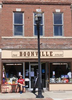 The Boonville Store, Main Street, Boonville, Missouri. A place to buy gifts. A place where you can buy Boonville or Missouri items by local artists and crafter's. Boonville Missouri, Local Artists, Main Street, Store, Gifts, Presents, Storage, Shop, Favors