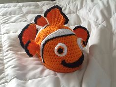 Crochet Clown Fish Hat with 'lucky fin'    *inspired by Finding Nemo-oh where oh where is this pattern????????