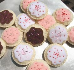so fun!  felt sugar cookies complete with frosting and sprinkles. nanacompany