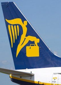 Humour Pubs et Fausses pubs sexy Fausse pub Nouveau logo Ryanair New Airline, One Job, Animation, Friday Humor, Fails, Funny Pictures, Hilarious, Flag, Branding