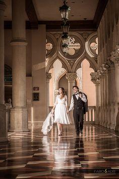 Bride And Groom Walking At Venetian Las Vegas Weddings Strip Fabio Adri