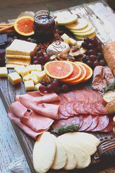 How to build a Valentine's Day Charcuterie Board at Lepp Farm Market Thanksgiving Vegetables, Thanksgiving Appetizers, Appetizers For Party, Thanksgiving Recipes, Thanksgiving Prayer, Thanksgiving Outfit, Thanksgiving Decorations, Charcuterie Recipes, Charcuterie And Cheese Board