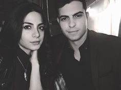 Shadowhunters Izzy and Raphael Shadowhunters Tv Series, Shadowhunters The Mortal Instruments, Constantin Film, Isabelle Lightwood, Clace, The Dark Artifices, Tv Show Quotes, Selfie Time, Shadow Hunters