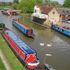 Narrow boats on Oxfordshire Canal