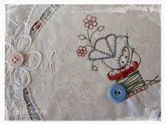 Elefantz+Stitchery+Club+Bird+Pincushion+4.jpg (1069×802)