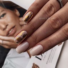 Want some ideas for wedding nail polish designs? This article is a collection of our favorite nail polish designs for your special day. Classy Nails, Stylish Nails, Simple Nails, Trendy Nails, Hair And Nails, My Nails, Interview Nails, Wedding Nail Polish, Minimalist Nails