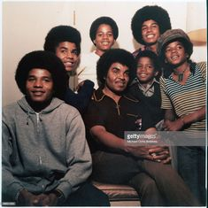 American singer Michael Jackson - with his brothers Jackie, Tito, Marlon, Jermaine and Randy and their father Joseph, circa Janet Jackson, The Jackson Five, Jackson Family, Afro, Jazz, Blues, Old Movie Stars, The Jacksons, Motown