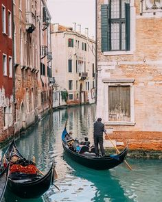 A comprehensive guide to photographing one of the world's most Instagrammable cities: Venice, Italy. Featuring Fujifilm X Series cameras X100T and XT1. Click through for photography tips, location…MoreMore #ItalyVacation