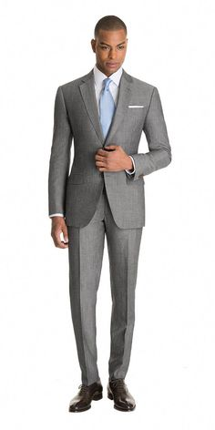 The oldest evidence of manmade fabric ever discovered is linen. But this linen blend suit is far from old school. Made in a modern and urbane gray this suit looks and feels cool all through the warmer months. Mens Fashion Suits, Mens Suits, Grey Suit Men, Grey Suits, Suit Combinations, Moda Formal, Mode Costume, Designer Suits For Men, Suits For Sale