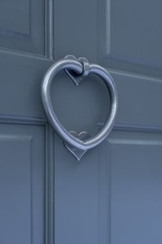Bring a decorative touch to your door with our unusual Heart Door Knocker with quirky mini heart knocker plate. Handcrafted in solid brass for modern or period homes. Exterior Door Colors, Modern Exterior Doors, Exterior Front Doors, Exterior Design, Grey Front Doors, Best Front Door Colors, Painting Metal Doors, Dulux Paint Colours, House Arch Design