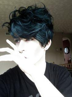 """v0nvamp: """" dyed my hair deep teal """""""