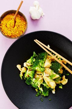 Kip met broccoli  http://www.njam.tv/recepten/kip-met-broccoli
