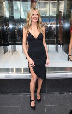 Heidi Klum clutches her leg as she narrowly avoids wardrobe malfunction after thigh-high split on her slinky LBD threatens to expose a little more than intended Classy Outfits, Cool Outfits, Love Fashion, Fashion Models, Heidi Klum, Mannequin, Nice Dresses, Sexy Dresses, Celebrity Style