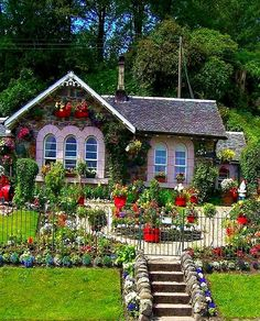 Solve a cottage jigsaw puzzle online with 48 pieces Cute Cottage, Cottage In The Woods, Cottage Style, Beautiful Gardens, Beautiful Homes, Beautiful Places, Simply Beautiful, Petits Cottages, Storybook Homes