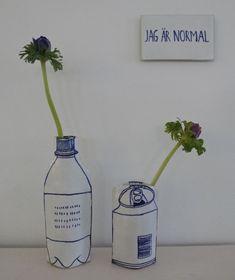 vase by Marianne Hallberg Ceramic Painting, Ceramic Artists, Ceramic Plates, Ceramic Pottery, Pottery Sculpture, Ceramic Design, Pottery Studio, Art Plastique, Design Art