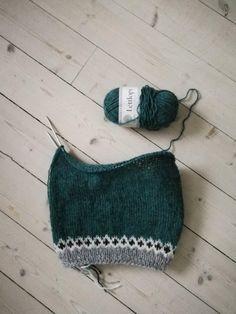 Knitting Charts, Pulls, Cross Stitching, Blackwork, Crochet Bikini, Winter Hats, How To Wear, How To Make, Wool