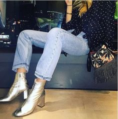 Why You Need Silver Shoes This Fall - Jewelry Silver Ankle Boots, Silver Boots, Metallic Boots, Shiny Boots, Mode Style, Style Me, Love Fashion, Fashion Looks, Fashion Trends