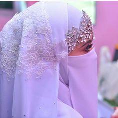 #hijab #burqa #hijaab #arab #modesty #Abaya #Niqab #Jilbab #purda #nikah #muslimah #wife #niqabi #نقاب# #hijabi #beautiful #love #halalLove #muslims #jihad #pathan #afgan #niqaab Muslim Wedding Gown, Arab Wedding, Wedding Dress With Veil, Wedding Dresses, Arab Bride, Traditional Wedding Vows, Modele Hijab, Niqab Fashion, Muslim Brides