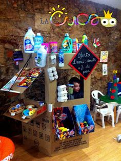 Cardboards, bottles, cans, bricks. A low cost dream! Games 4 Kids, Activities For Kids, Projects For Kids, Crafts For Kids, First Grade Crafts, Role Play Areas, Dramatic Play Area, Cardboard Box Crafts, Kindergarten